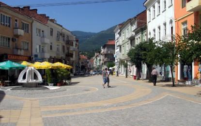 """Градът: Строителният бос Ангел Ш. и неговият """"сив кардинал"""" Г. Ю. стоят зад орязването на европари от град Гоце Делчев?!"""
