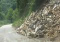 Свлачището, подкопало единствения път до сатовчанското село Жижево, се нуждае от допълнително укрепване