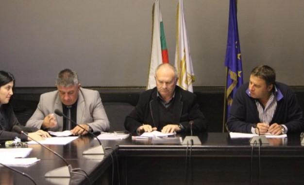 Кметът Камбитов, синдикати и работодатели подписаха новия колективен трудов договор