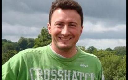 Българите в Лондон почитат героично загиналия Пламен с мемориална пейка