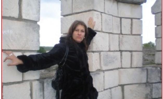 Топ Преса: Проститутка от Еленово превърна дома си в публичен дом, привлича италианци и гърци за секс, вербува млади момичета за труженички в собствения си дом!
